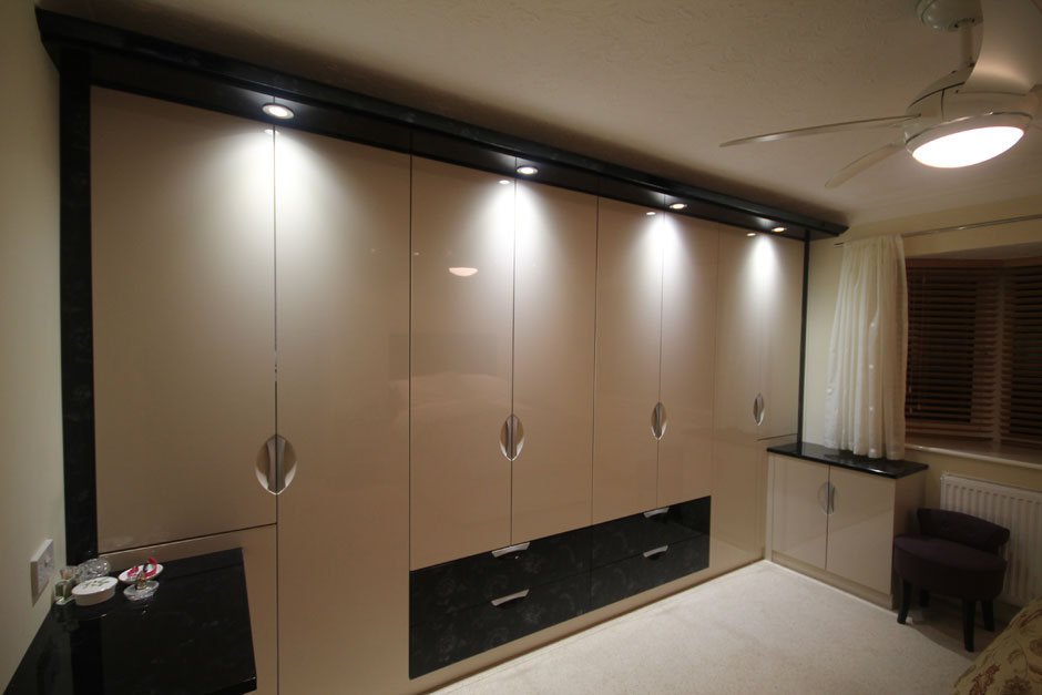 Built in wardrobes bournemouth fitted bedrooms poole select interiors southern for Built in wardrobes in bedroom