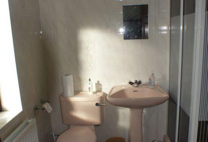 Old-Bathroom-2