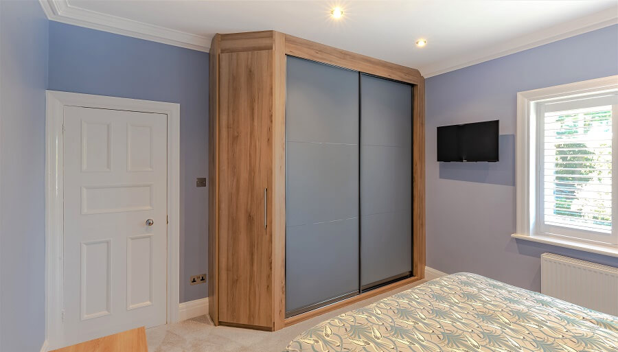 Here to supply Poole sliding door wardrobes.